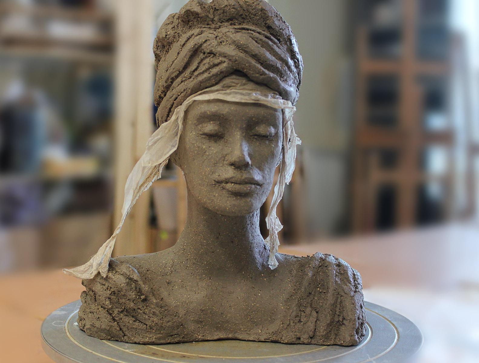 Głowa - ceramika artystyczna, końcowy etap prac, ArsKinga - Kinga Pawełska